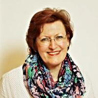 YLVIEs Therapeuten - Ilse Mühlparzer-Lebic ist Physiotherapeutin und Osteopathin