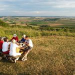 Urlaub bei YLVIE_Wandern_ Picknick am Galgenberg